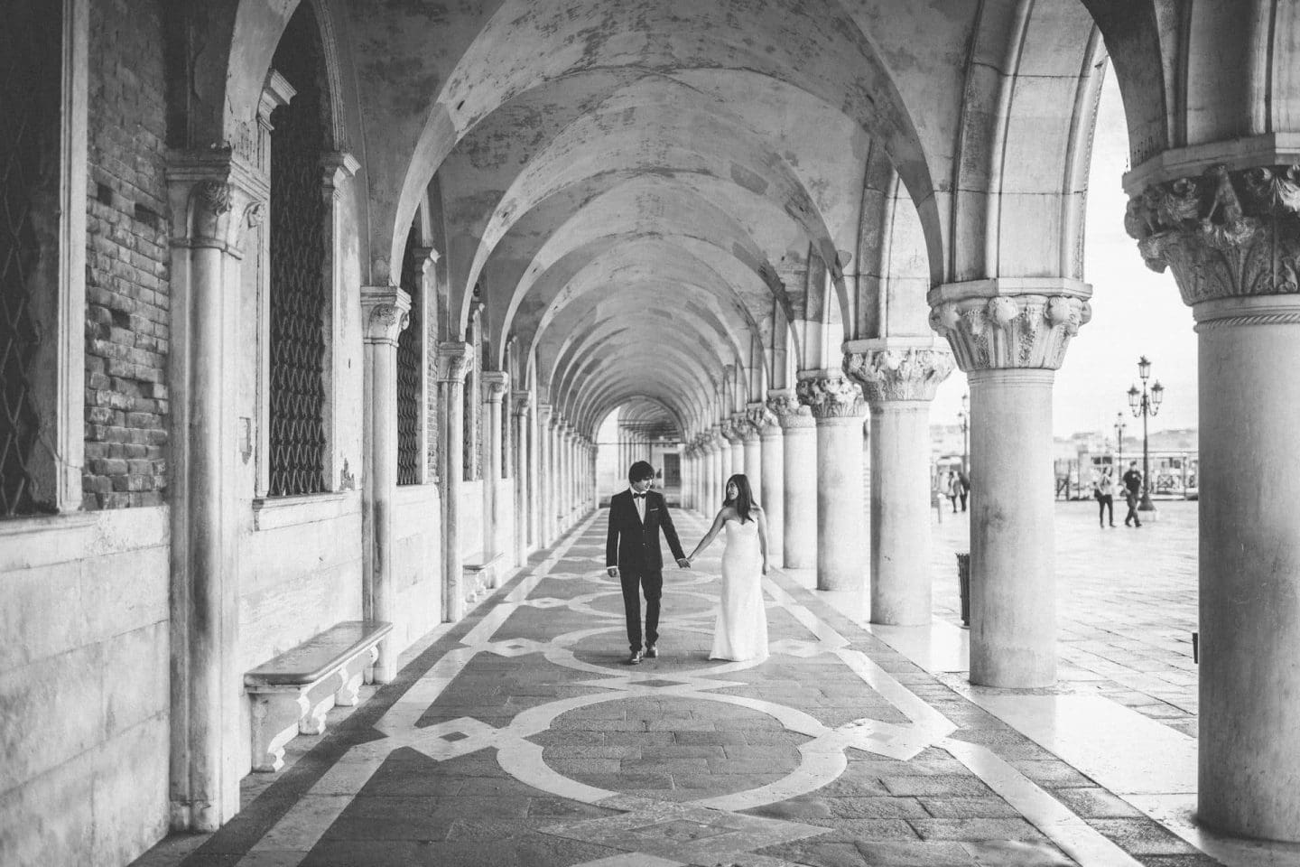 honeymoon photographer venice italy